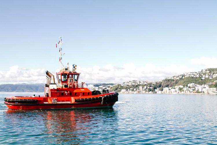 Wellington 14 red boat